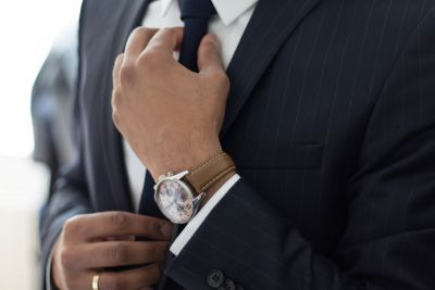 Should you trust your manager because he wears a suit and tie
