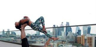 couple working out together by form the form fitness unsplash photo 1527248340554 4c41da8eff7d