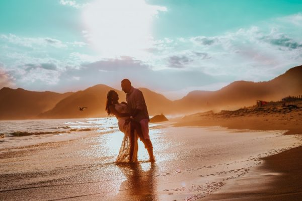 romance couple on beach photo 1481093096777 9a83e3a284f1 600x400 - The Truth About Dating a Man with Prostate Cancer