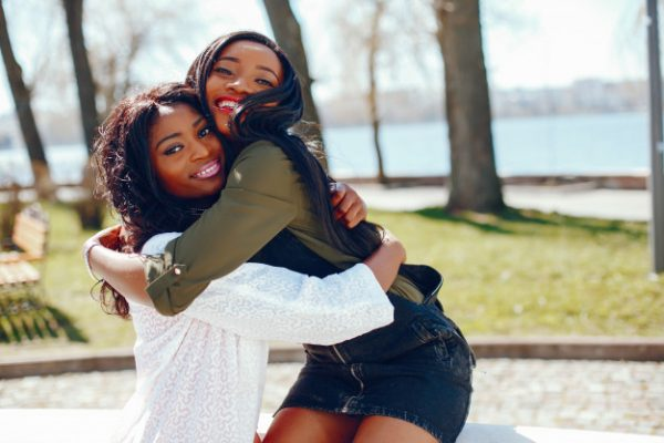 new relationship fashionable black girls in a park 1157 14475 600x400 - Advice for Women in a New Relationship