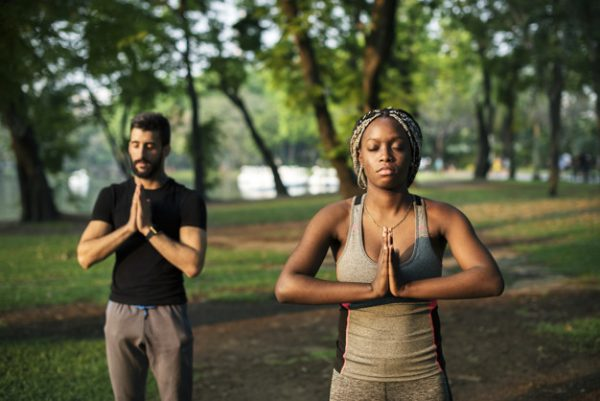 new relationship people yoga in a park 53876 30649 600x401 - Advice for Women in a New Relationship