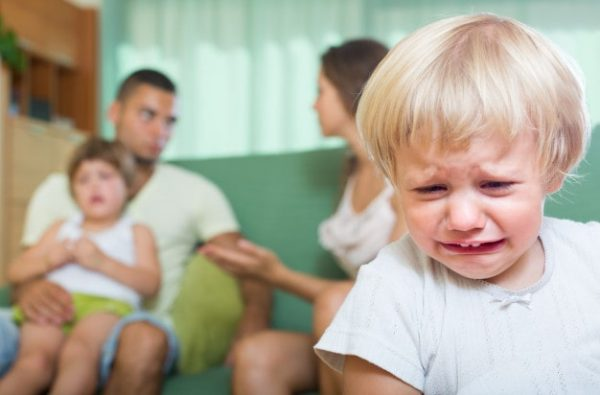 Relationships as a Single Mom: Are They Worth It? couple-with-children-having-quarrel_1398-4947-min