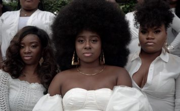 black women in all white by Zach Vessels photo 1548527121 52781ea7929f